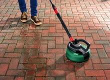 Mycie kostki betonowej.