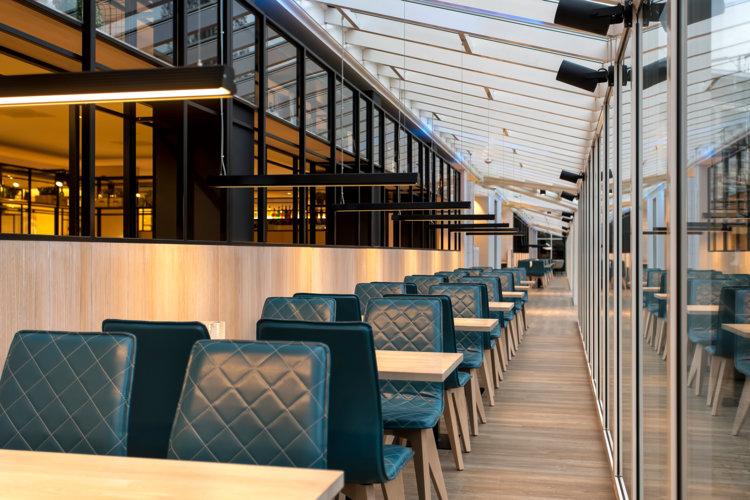 Zitjes_serre_avondlicht_nieuw_hotelrestaurant_Preston_Palace