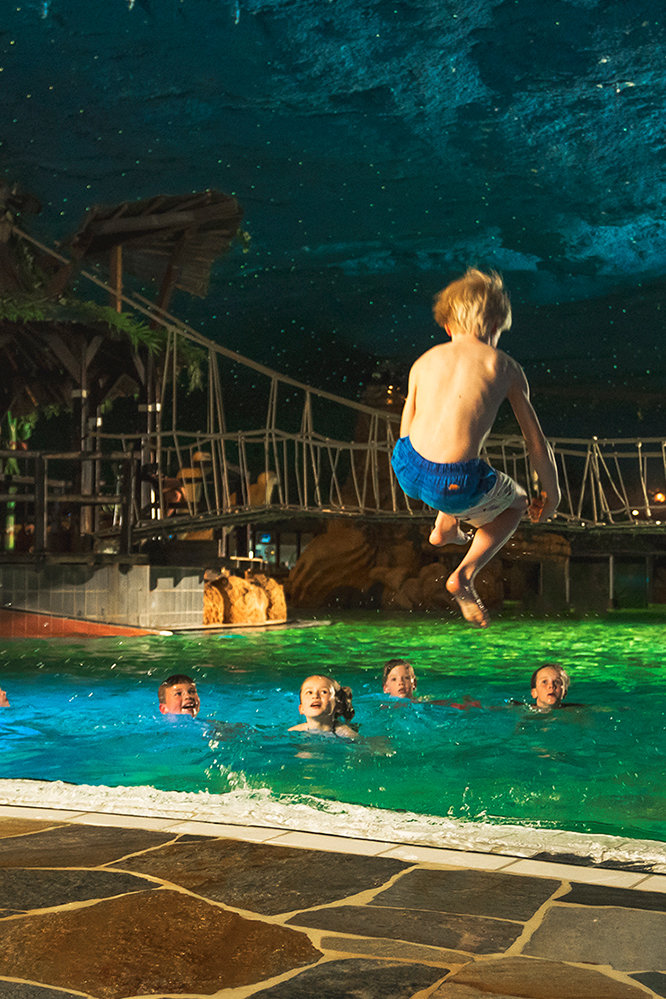 Portret-zwemparadijs-Preston-Palace-springen