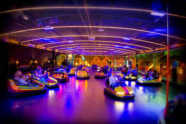 Botsauto_baan_Indoor-Kermis_Preston_Palace