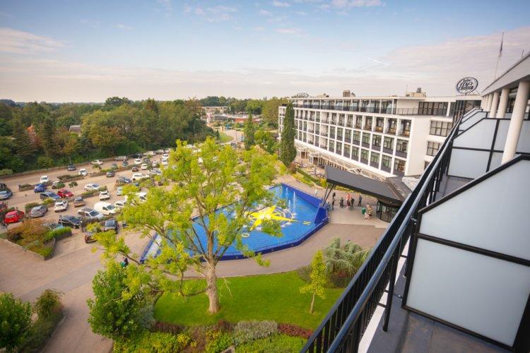 WEB-Balkon-Hotelkamer-4e-etage-uitzicht