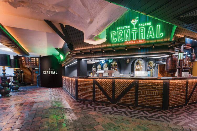Preston-Palace-Central--bar