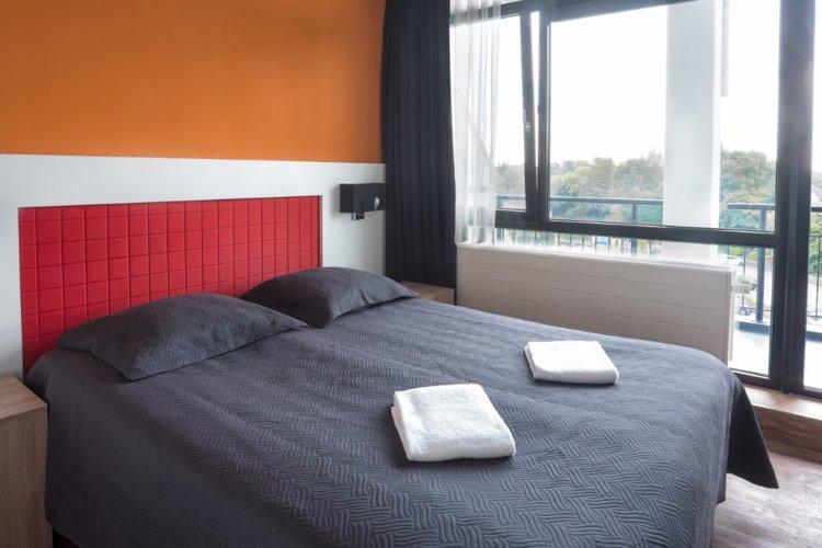WEB-Balkon-Hotelkamer-3e-etage-bijgesneden