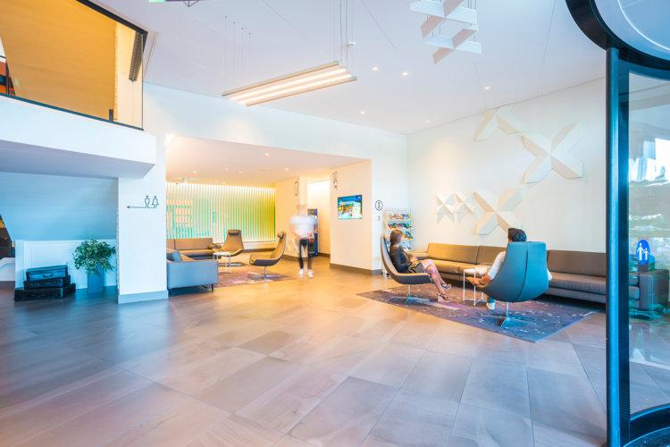 Preston-Palace_entree-overzicht-lobby