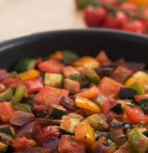 Зеленчуков гулаш в тенджерка