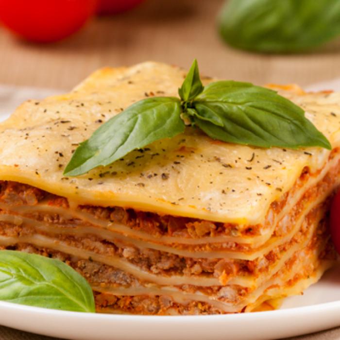 Лазаня – италианска запеканка с месо и зеленчуци