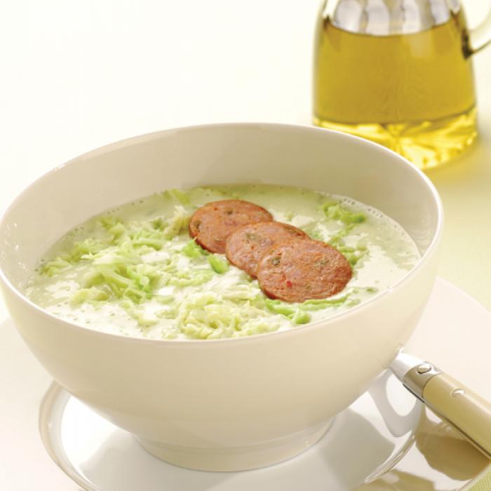 Калдо верде - португалска зелена супа със зеле и други зеленчуци