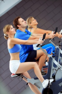 General fitness training works towards broad goals of overall health like reduce body fat etc.