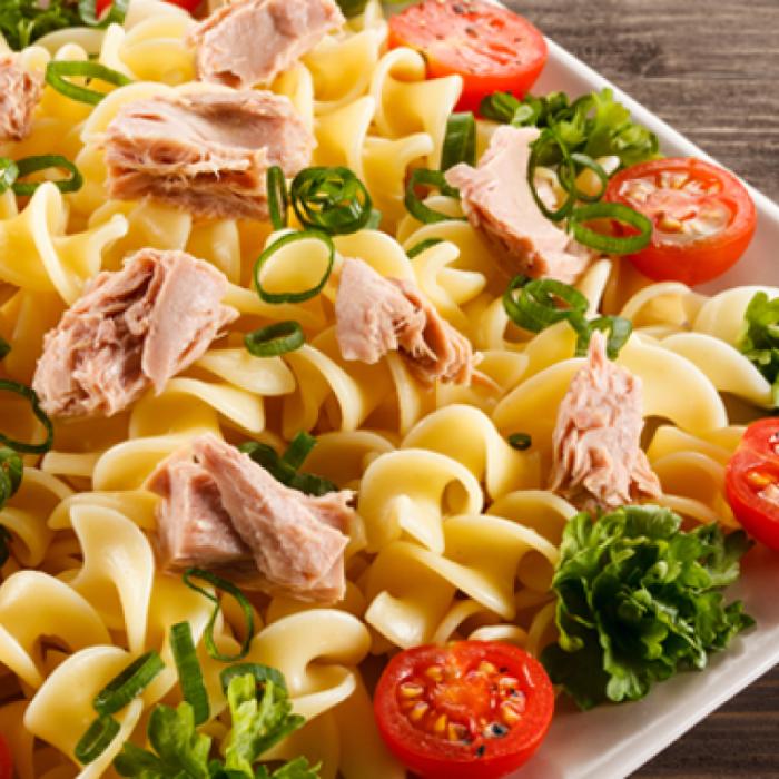 Sicilijanski špageti - talijanska tjestenina s tunom
