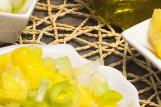 Фрукти і овочі в одному салаті: несподівані пари