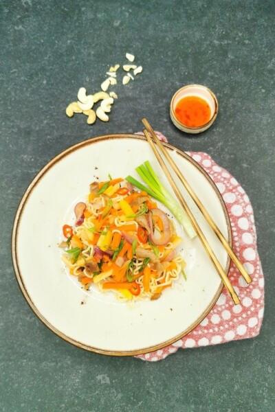 Sweet & Sour kasvis-possuwokki