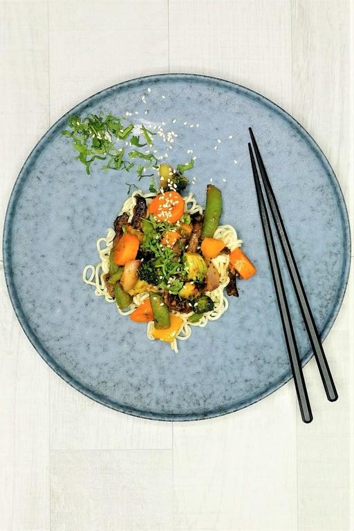 Satay-wok naudanlihalla