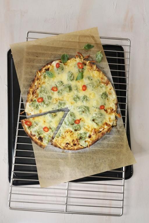Valkoinen pinaattikeittopizza