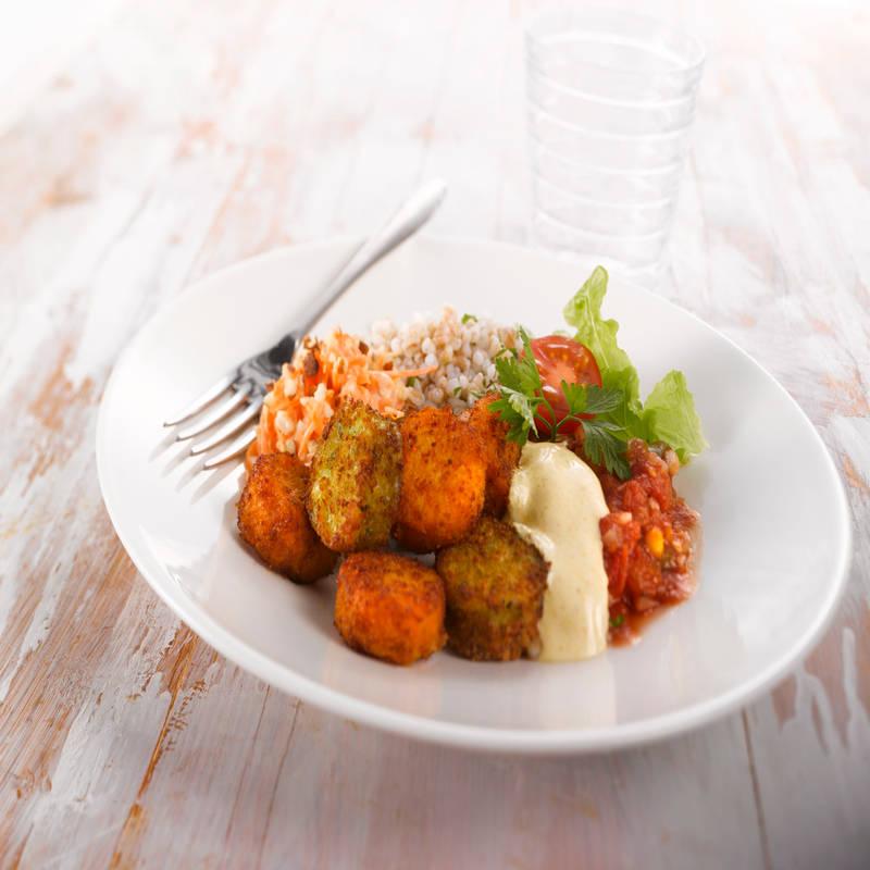 Apetit Porkkana- ja Pinaatti-raejuustonappit -mix