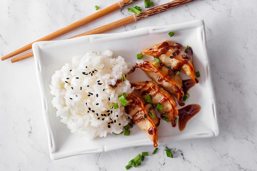 Гёдза тонкацу с рисом