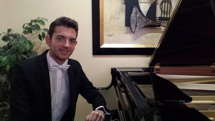 ALBERTO ABENGÓZAR, pianoa