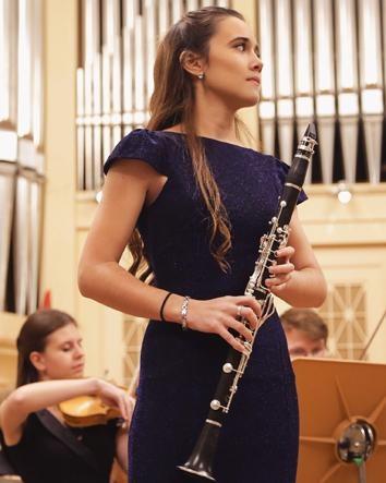 LUZ SEDEÑO, klarinetea