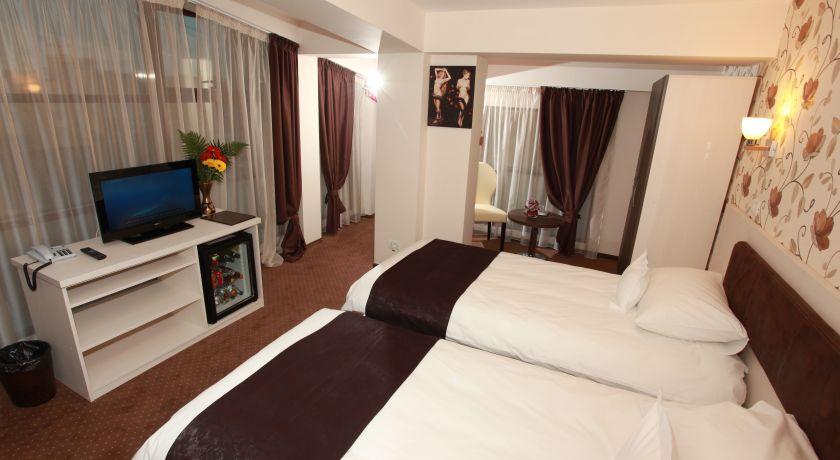 Hotel West Plaza