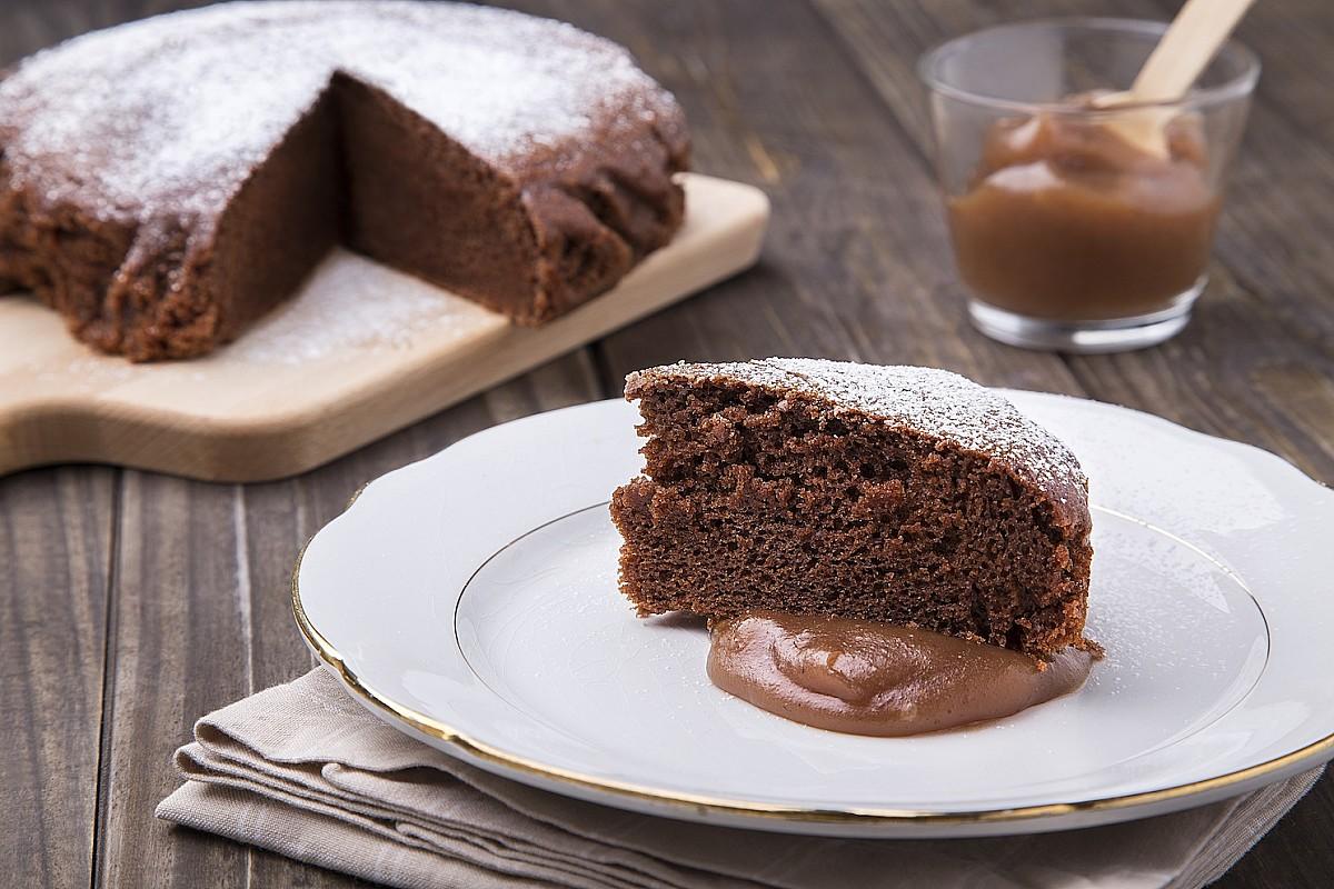 Castagnaccio al cacao con crema di castagne