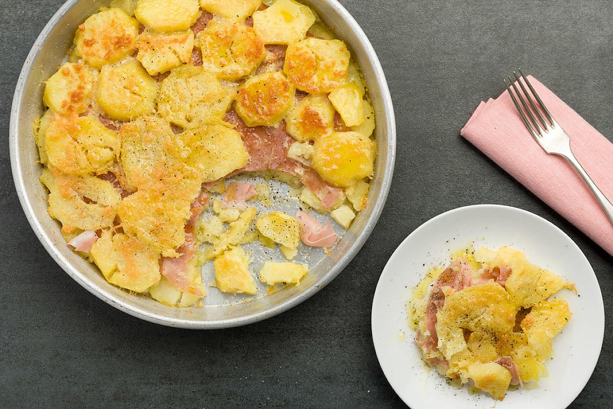 Sformato di patate, mortadella e parmigiano