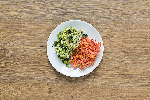 Spaghetti di carote e broccoli