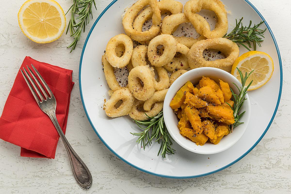 Anelli di totano al forno con zucca saltata alla salvia e rosmarino