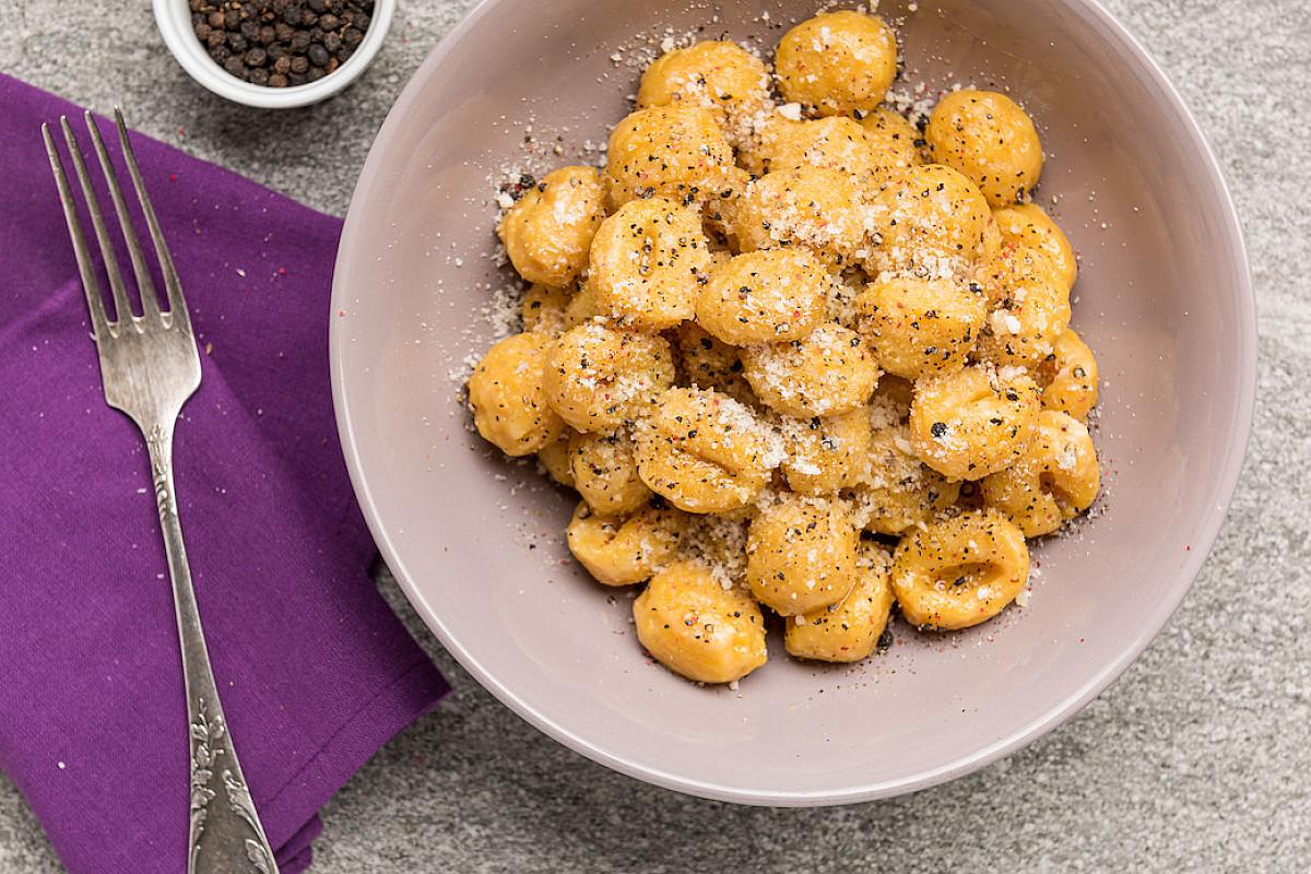 Gnocchi alla zucca mantovana con parmigiano reggiano e pepe nero