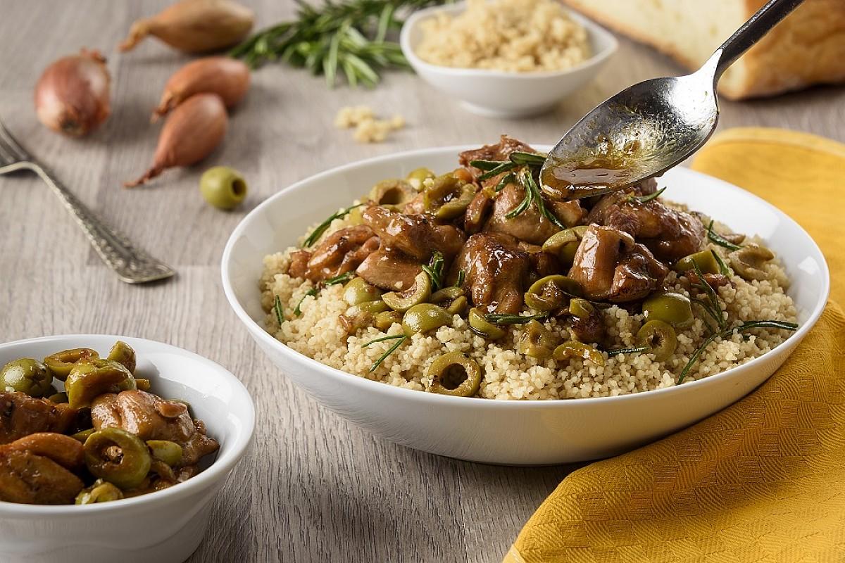 Spezzatino di pollo bio con olive e cous cous