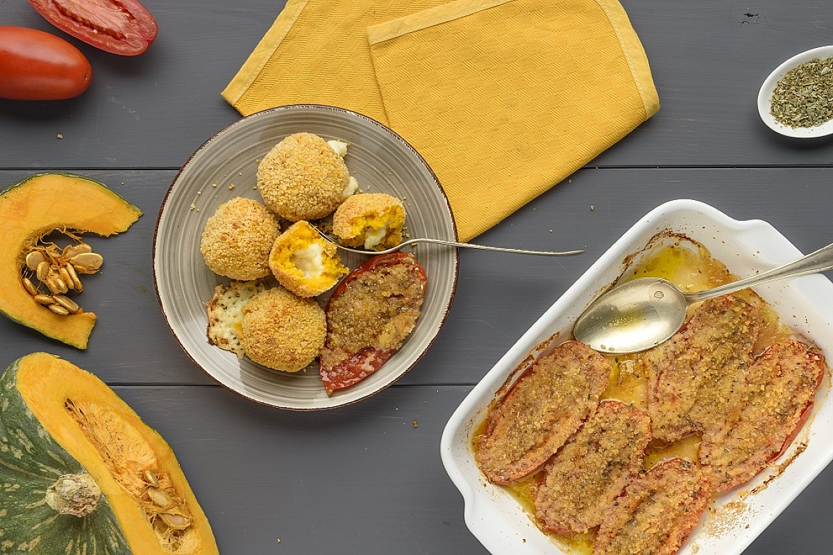 Crocchette di zucca al forno con fontal con pomodori gratinati