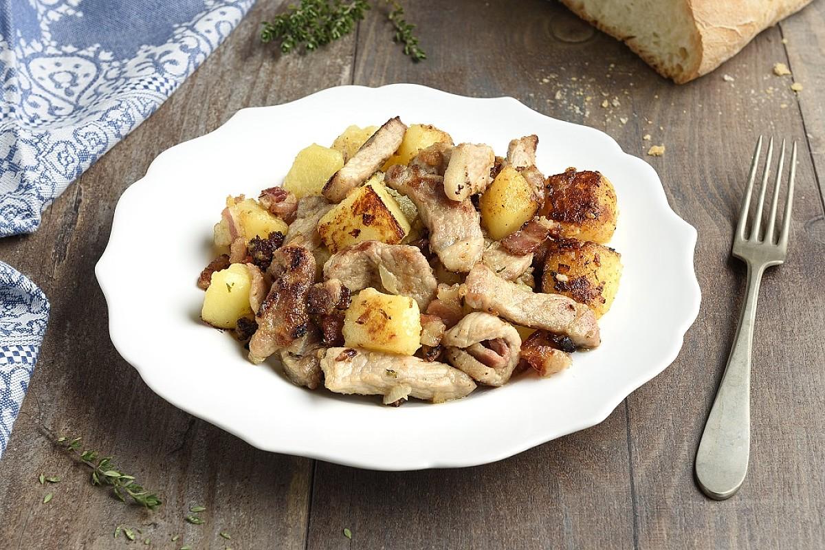 Padellata tirolese di maiale, cipolle e patate