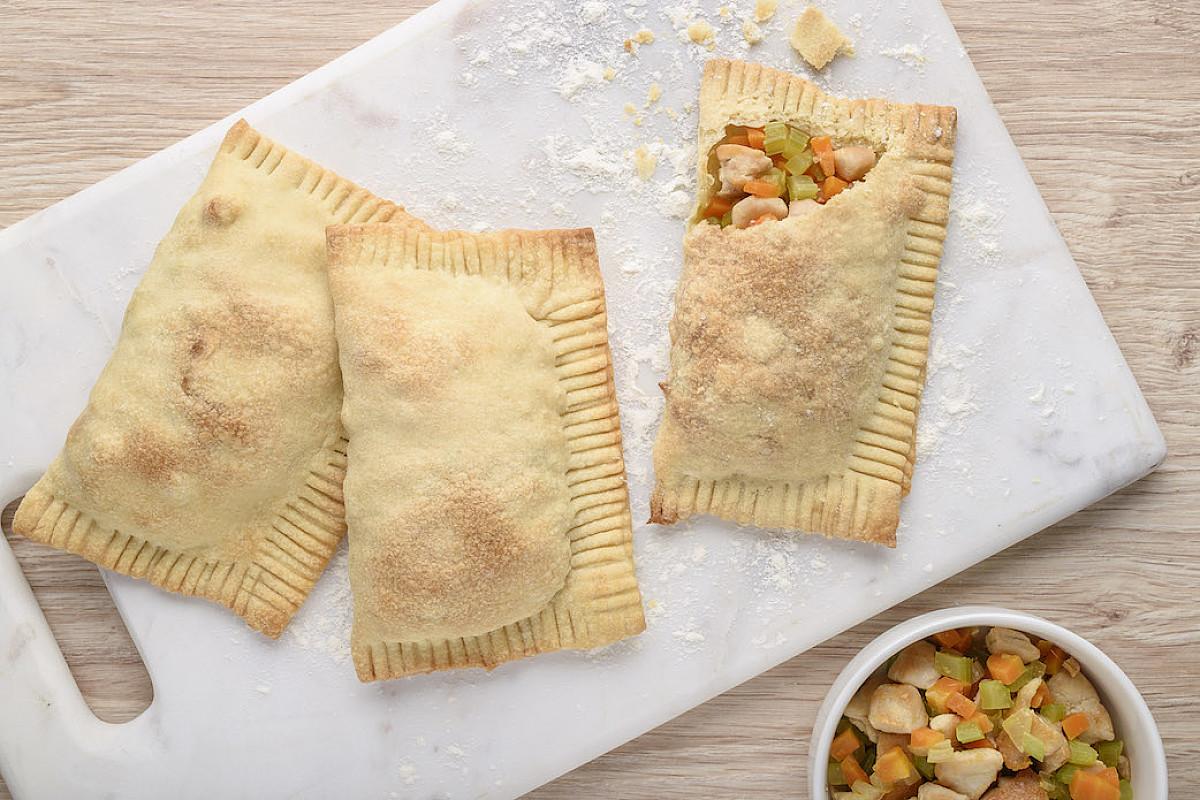 Fagottini di pasta matta con pollo bio e verdure