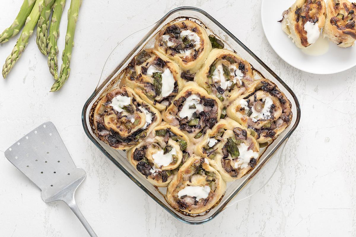 Girelle di pizza con verdure spadellate e crescenza
