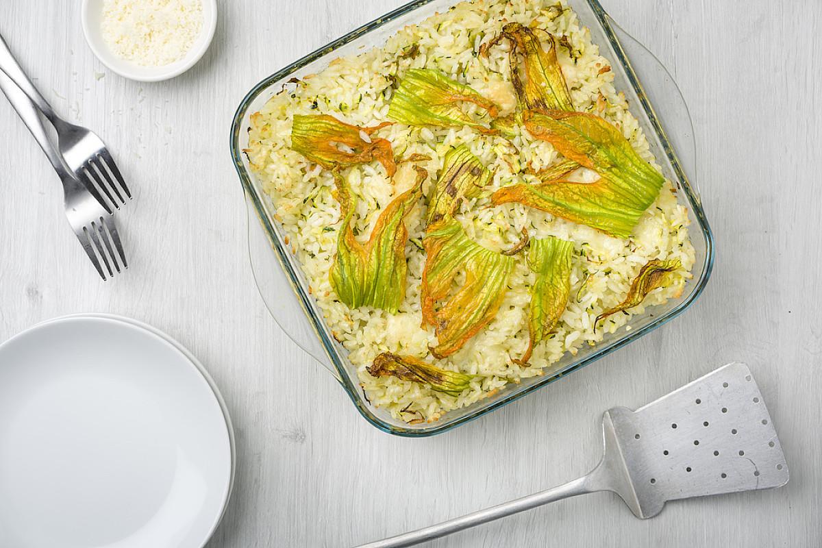Riso Carnaroli al forno con zucchine e fiori di zucca