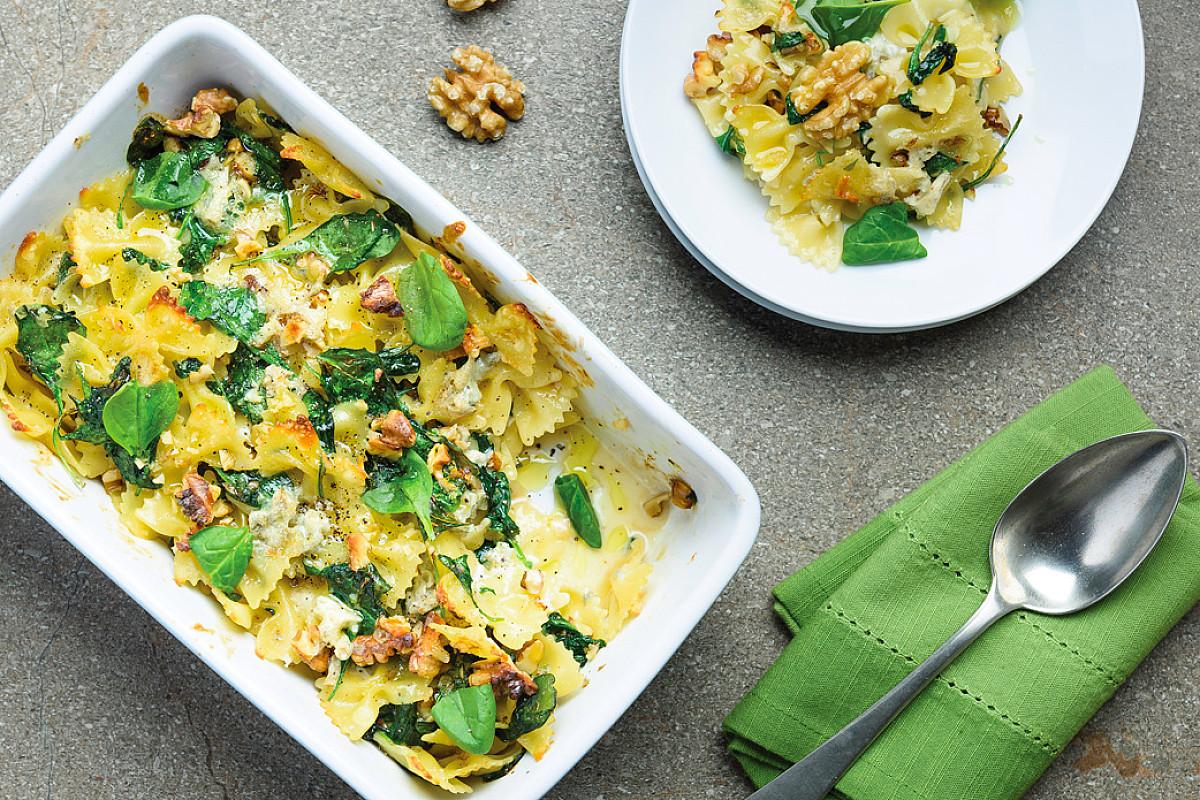 Farfalle al forno con spinaci, gorgonzola e noci