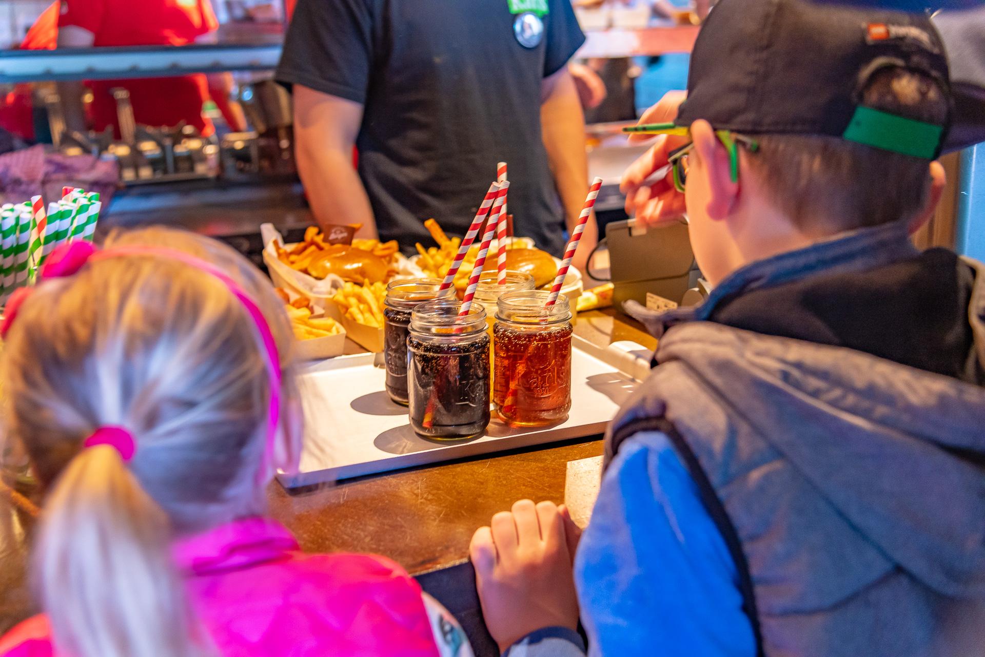 Bestellung entgegen nehmen Tregger-Grill Rövershagen