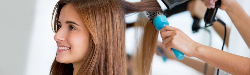 Saç Rengi Seçerken Kuaför Önerisi Almak