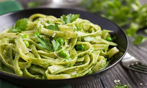 Brokoli & Ispanaklı Makarna
