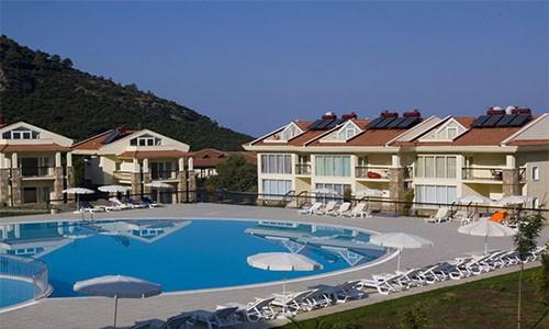 Ortak Havuzlu Villa