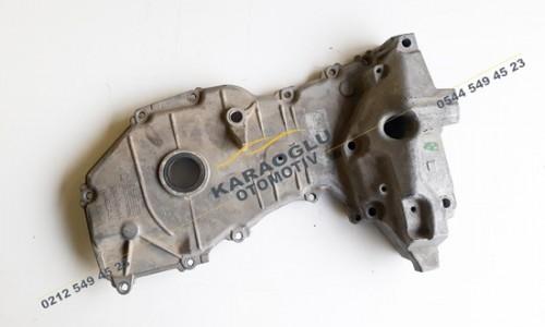 Nissan Qashqai Juke Çıkma Motor Yan Kapağı 1.6 16V HR16DE 135001KT0A