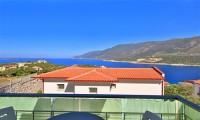 Deniz Manzaralı Villa