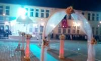 Düğün sahne kurulumu