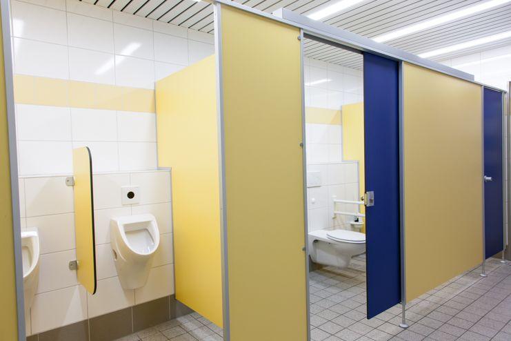 Referenz WC-Trennwand - Typ Rink NA 13 - Schwimmbad ...