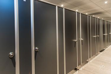 Referenz WC-Trennwände - System N 25 - Stadtvilla, Herborn