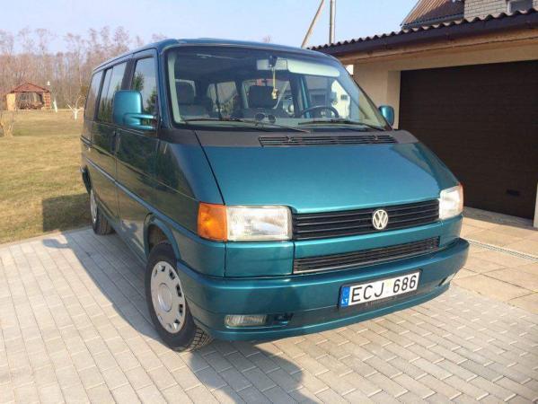 Volkswagen Multivan-0