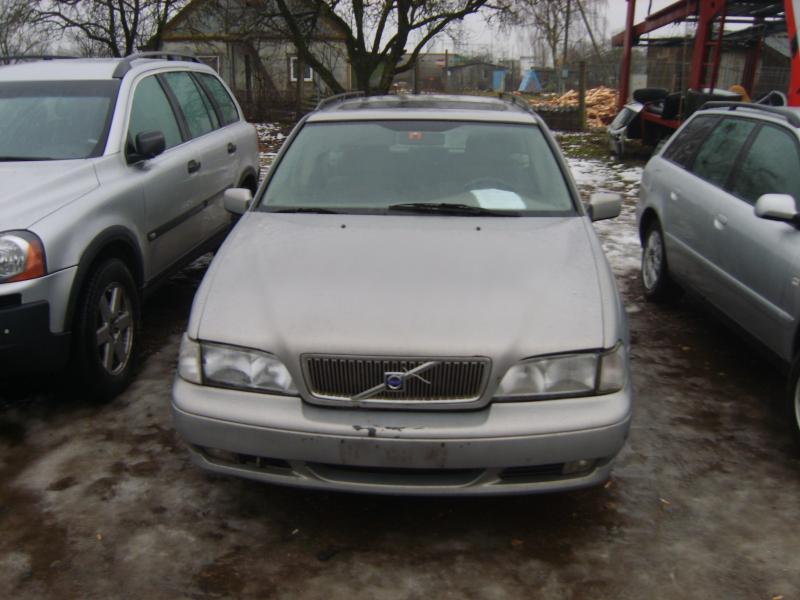 Volvo v70-1