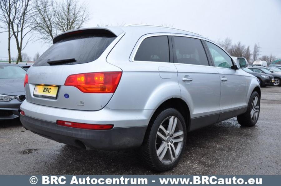 Audi Q7, pilkas, visureigis-2
