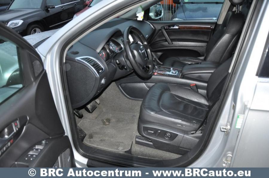 Audi Q7, pilkas, visureigis-4