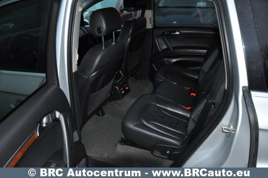 Audi Q7, pilkas, visureigis-5