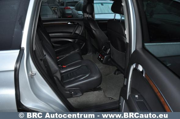 Audi Q7, pilkas, visureigis-6