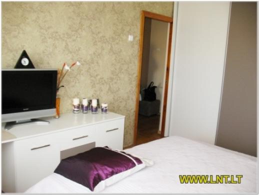 Parduodamas 2 kambarių butas Statybininkų g., Panevėžyje. Namas blokinis 1973 metų statybos, -4